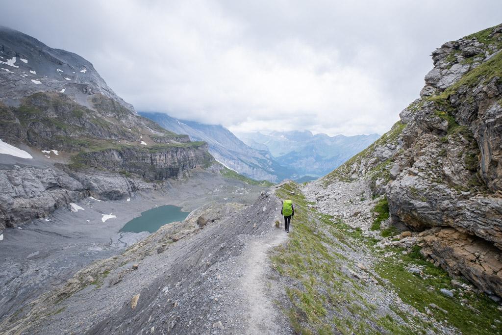 Via Alpina - Dans la descente après avoir passé le Hohtürli