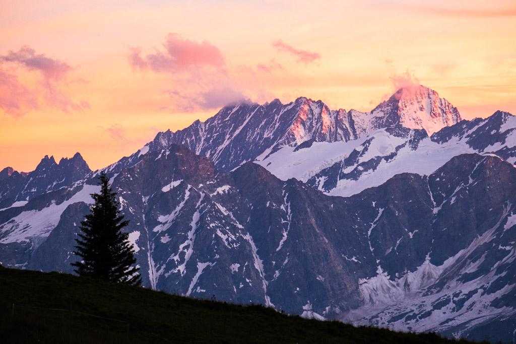 Via Alpina - Coucher de soleil dans la région de l'Engstlenalp (Berne, Suisse)